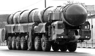 Пусковая установка 15У168 серийного ПГРК 15П158 «Тополь» на шасси МАЗ-7917. 1988 год
