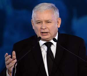 Ярослав Качиньский сознательно ушел в тень, уступив дорогу молодым и передав им свой рейтинг.