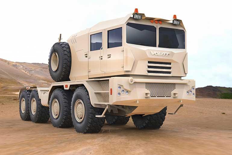 Автопоезд МЗКТ-741351 разработан для транспортировки бронетехники по заказу одной из стран Ближнего Востока.