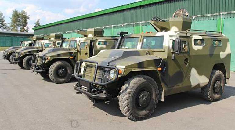 Специалистами ОАО «МЗКТ» в короткие сроки разработана и подготовлена к выпуску боевая легкобронированная машина «Лис»