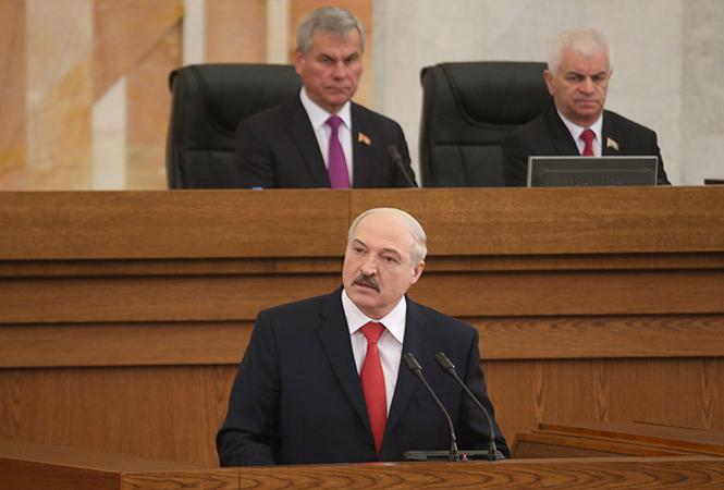 Лукашенко считает, что людей к выборам надо готовить