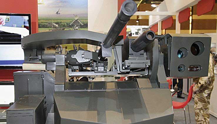 Одним из наиболее интересных экспонатов ОАО, по мнению специалистов, оказалась новая модель дистанционно-управляемого наблюдательно-огневого комплекса АДУНОК — АДУНОК-В.