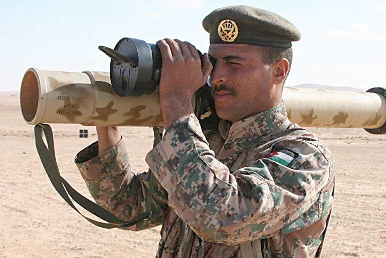 Многоразовый мультикалиберный многофункциональный гранатомет РПГ-32 «Нашшаб» не только состоит на вооружении иорданской армии, но и успешно экспортируется в третьи страны.