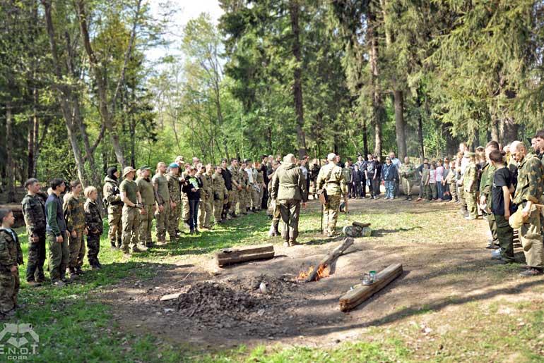 Военные сборы с участием белорусских школьников.
