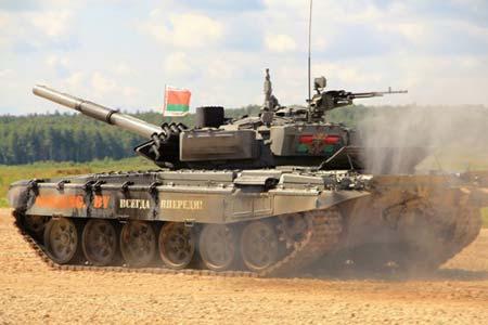 Белорусы привезли модернизированную версию советского Т-72Б