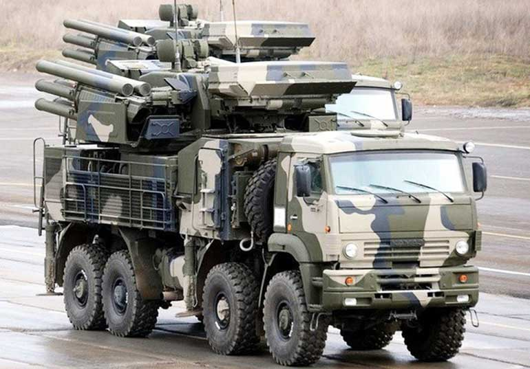 В качестве базы для «Панциря» был взято автомобильное шасси повышенной проходимости КамАЗ-6560.