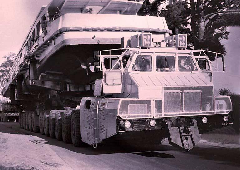 Летом 1996 года с помощью одного из шасси МАЗ-7907 осуществлена транспортировка речного теплохода весом 88 т и длиной 40 м с реки Березины на озеро Нарочь на расстояние 250 км.  Фото http://masterok.livejournal.com
