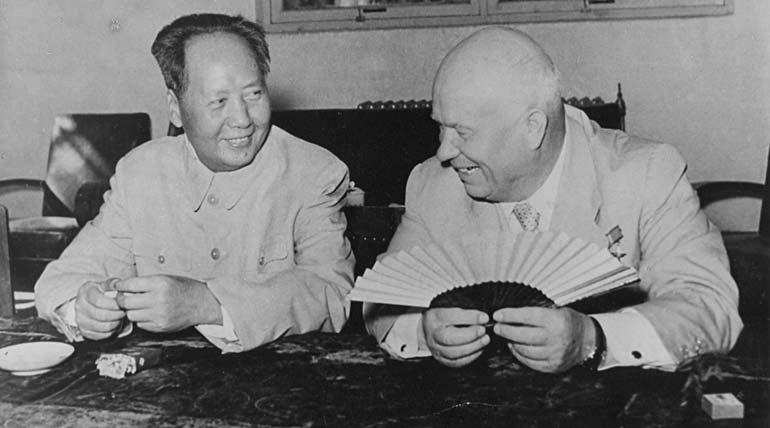 1958. Мао-дзе-дун и Никита Хрущев. Фото photochronograph.ru