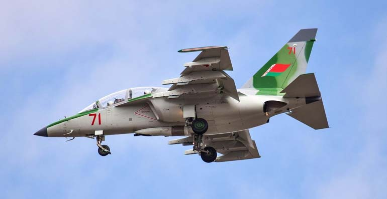 Белорусские экипажи Як-130 уже успешно отработали применение почти всех видов штатного вооружения.