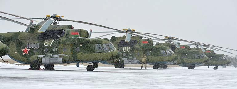 Ми-8МТВ-5-1 способен выполнять задачи днем и ночью, на малых высотах, в сложных метеорологических условиях, а также приземляться и взлетать с необорудованных площадок.  Фото sputnik.by