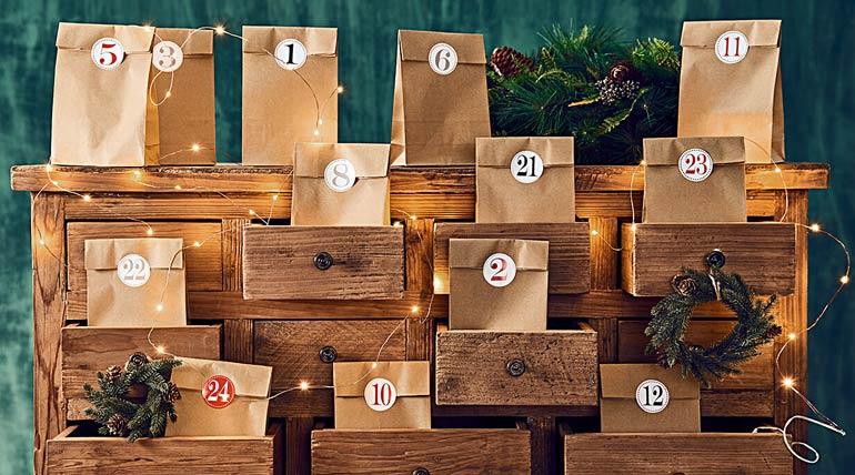 Один из непременных и милых атрибутов праздника – рождественский календарь.