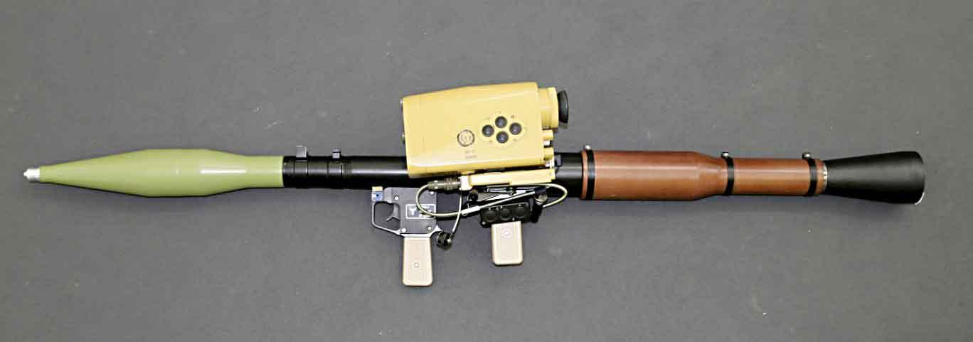 """""""Овод-Р"""" создан на базе гранатомета РПГ-7 путем установки высокоточного интеллектуального прицела ПД-7 с насадкой ночного видения (опция) и современной системы электропитания на основе литий-ионных аккумуляторов."""