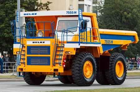 БЕЛАЗ начал поставки нового 55-тонного самосвала